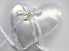 Hochzeit Herz Ringkissen von Miss Wedding auf DaWanda.com