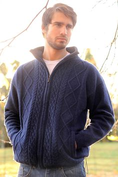 Our Aran wool sweater is a must-have for any cold weather wardrobe. This Irish knit sweater combines the very best of classic Irish design with a simple and sleek appearance that works well with most Sweater Coats, Cable Knit Sweaters, Men Sweater, Style Masculin, Inspiration Mode, Crochet Clothes, Pulls, Knitting, Irish Design