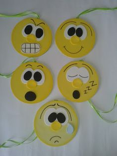 Emotionometer: the thermometer of emotions Kids Crafts, Old Cd Crafts, Foam Crafts, Crafts To Do, Arts And Crafts, Paper Crafts, Welcome Back Gifts, Cd Art, School Decorations