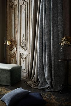 de Le Cuona is a purveyor of luxury textiles for interiors with a history. Luxury Interior, Interior Design, Palette, Beautiful Interiors, Soft Furnishings, Innovation Design, Architecture Details, Furniture Design, Curtains