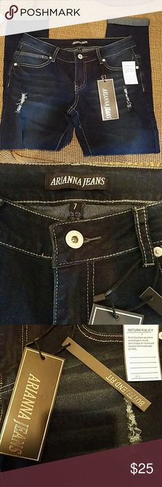Cute rolled jeans sz 7 Cute nwt rolled jeans sz 7. NWOT tags have been taken off & jeans tried on ONLY. Perfect condition. Arianna Jeans Jeans
