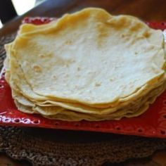 Cafe rio flour tortilla recipe - only 5 ingredients. I want to be buried with 2 chicken burritos from Cafe Rio on my lap. I love that dumb place! Cafe Rio, I Love Food, Good Food, Yummy Food, Yummy Recipes, Loaf Recipes, Fun Food, Healthy Food, Dinner Recipes
