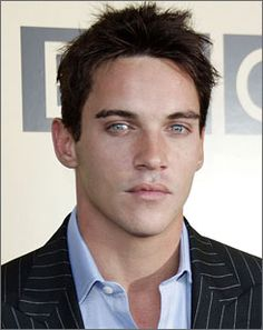 Jonathan Rhys-Meyers, interesting face. A lot of R (those lips!), and he's small I think, but also feel some drama from him. Would really love to know his season before making a final call on archetype.