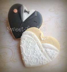 bride and groom wedding cookies-- cute idea, ready to customize for brides gown & his tie/colors Fancy Cookies, Heart Cookies, Iced Cookies, Cute Cookies, Cupcake Cookies, Sugar Cookies, Cookie Icing, Royal Icing Cookies, Wedding Dress Cookies