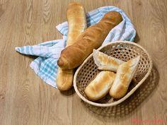 Domácí bagety - eKucharka.cz Oven, Bread, Food, Brot, Essen, Ovens, Baking, Meals, Breads