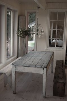 Cottage farm table.