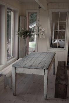Cottage farm table.