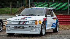 Peugeot 205 GTI - Jean-Jacques MARCHAND Retro Cars, Peugeot, Pugs, Super Cars, Classic Cars, Vehicles, Website, French, Cars