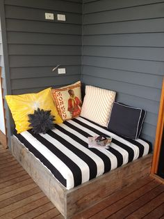 DIY Outdoor Daybed- for an outdoor reading nook. Outdoor Daybed, Outdoor Decor, Outdoor Seating, Diy Daybed, Outdoor Lounge, Backyard Seating, Outdoor Sectional, Backyard Patio, Deck Seating