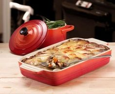 Lancashire Hot Pot cooked in the Le Creuset Stoneware Rectangular Dish in Cerise One Pot Dishes, Oven Dishes, One Pot Meals, British Dishes, British Recipes, Lancashire Hot Pot, Great British, Pampered Chef, Different Recipes