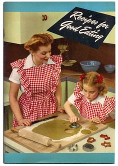 I am VERY excited to be sharing a cookbook my hubby recently found for me! It was published in 1945 by the Procter and Gamble Company and advertises Crisco. This 1945 cookbook has a charming intro… Crisco Recipes, Old Recipes, Vintage Recipes, Cookbook Recipes, Retro Recipes, 1950s Recipes, Vintage Advertisements, Vintage Ads, Vintage Food