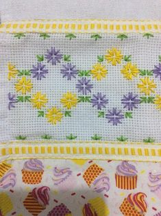 Swedish Embroidery, Bargello, Nature Crafts, Diy And Crafts, Coin Purse, Cross Stitch, Macrame, Cross Stitch Embroidery, Indian Embroidery