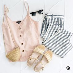 Korean Fashion Trends you can Steal – Designer Fashion Tips Cute Summer Outfits, Casual Outfits, Fashion Outfits, Fashion Tips, Fashion Ideas, Fashion Flatlay, Women's Fashion, Fashion Boots, Fashion Inspiration