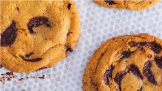 Inspired by our Chocolate Chunk Cookie, this recipe makes eight astonishingly chocolatey cookies. Chocolates, Desserts With Few Ingredients, Chocolate Chunk Cookie Recipe, Chips, Buttery Cookies, Baking With Kids, Restaurant Recipes, Cookie Recipes, Cat Recipes