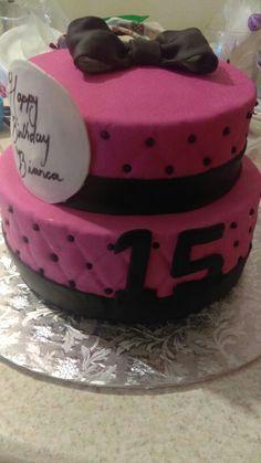 Sweet fifthing cake.