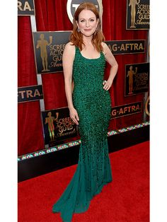 SAG Awards 2015: Julianne Moore Proves She <em>Really</em> Loves Emerald Green Gowns http://stylenews.peoplestylewatch.com/2015/01/25/julianne-moore-green-givenchy-sag-awards-2015/