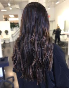 Are you looking for best hair colors to apply for long hair? Just see here, we have made a collection of fantastic long balayage colored hairstyles Hair Color Highlights, Hair Color Dark, Brown Hair Colors, Dark Hair, Sleep Hairstyles, Hairstyles 2018, Brown Hair Balayage, Hair 2018, Hair Colorist