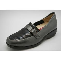 Loafers, Closet, Shoes, Fashion, Comfy Shoes, Over Knee Socks, Black People, Travel Shoes, Zapatos