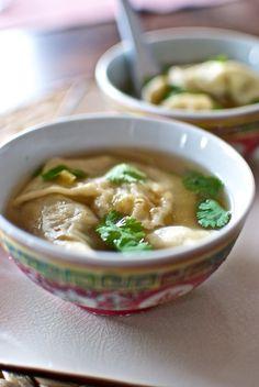 wontons2 zuppa bimby Wontons, Asian Recipes, Healthy Recipes, Ethnic Recipes, Salty Foods, Japanese Food, Ramen, Soup Recipes, Sushi