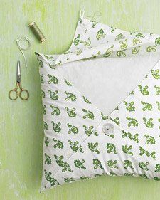 Brighten up your house with a fresh spring-inspired pillowcase.  This free sewing pattern provides a classic look that will look great in any home.
