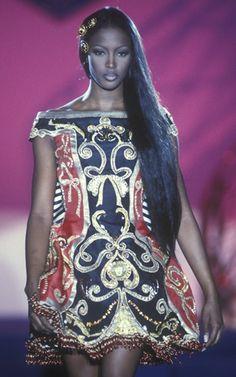 Naomi @ Atelier Versace Fall/Winter 1992