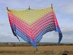Nightfall - Free crochet pattern for triangle shawl - Annie Design Crochet Crochet Shawl Diagram, Crochet Shawl Free, Crochet Bikini Pattern, Crochet Poncho Patterns, Crochet Shawls And Wraps, Basic Crochet Stitches, Crochet Basics, Easy Crochet, Crochet Afghans