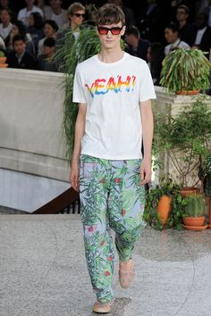 See all the Collection photos from Paul Smith Spring/Summer 2015 Menswear now on British Vogue 2015 Fashion Trends, Fashion News, Fashion Show, Mens Fashion, Paris Fashion, Vogue Paris, Men's Collection, Summer Collection, Young Designers