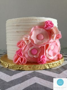 Buttercream cake with pink flowers!