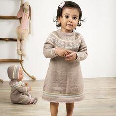 Rosa Lill Dukkeklær - Viking of Norway Crochet Bebe, Knit Crochet, Viking Baby, Baby Barn, Viking Designs, Kids And Parenting, Baby Knitting, Norway, Vikings