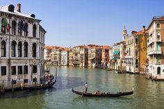 Grand Kanal'da Venedik'ten gondol keyfi