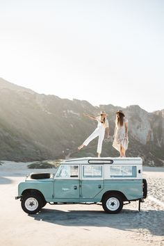 Backpacker insurance for gap year hazards should never be ignored. A gap year adventure should be the most exciting trip that any young person will experience Dream Cars, Kombi Home, California Cool, California Getaways, California Girl Style, Girls Getaway, Photos Voyages, Gap Year, Cute Cars