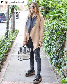 Santorini, Lifestyle, Instagram, Coat, Jackets, Fashion, Wraps, Zapatos, Down Jackets