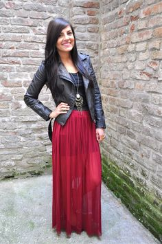 maroon maxi skirt with cardigan,How to style your maxi skirt in ...