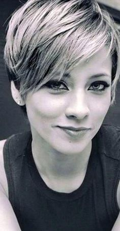 34 Latest Long Pixie Cuts You'll Love for Summer 2019 - Short Pixie Cuts Long Pixie Pixie haircut came into vogue back in when Audrey Hepburn appeared on the screens in the movie Roman Holiday. Latest Short Hairstyles, Short Hairstyles For Thick Hair, Haircut For Thick Hair, Short Pixie Haircuts, Elegant Hairstyles, Curly Hair Styles, Cool Hairstyles, Hairstyles Haircuts, Trendy Haircuts