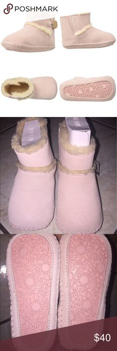 Authentic UGG INFANT LEMMY SIZE 4/5 AUTHENTIC UGG AUSTRALIA LEMMY INFANT SIZE 4/5. For 12-18 Months. Baby pink. Any questions ask below! UGG Shoes Boots