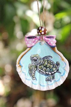 SALE baby Sea Turtle hand painted collectable by Seahorse Painting, Seashell Painting, Turtle Painting, Seashell Art, Seashell Crafts, Beach Crafts, Sand Painting, Seashell Ornaments, Painted Ornaments
