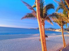 The beautiful beaches of Los Cabos on the San Jose del Cabo Bay and Costa Azul Beach. conniemex.com Connie Meyerhoff Snell Real Estate