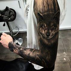 Awesome wolf tattoo sleeve - Bäume als filler motiv