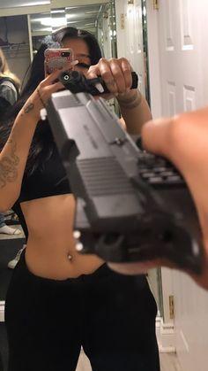 Girl Gang Aesthetic, Boujee Aesthetic, Badass Aesthetic, Aesthetic Pictures, Nimo Rapper, Flipagram Instagram, Rauch Fotografie, Fille Gangsta, Thug Girl