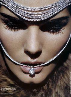 διαμάντια ή αλλιώς... πως να της κλείσεις το στόμα