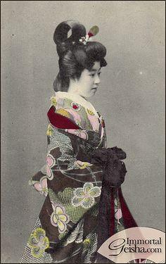 Meiji Era Courtesan by Naomi no Kimono Asobi Traditional Japanese Kimono, Japanese Geisha, Japanese Beauty, Vintage Japanese, Japanese Photography, Japanese Costume, Meiji Era, Samurai, Maneki Neko