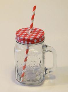 Vintage üveg pohár szívószállal. Limonádés bögre. Füles bögre csavaros fém fedéllel. Mason Jars, Cold, Mugs, Tableware, Vintage, Dinnerware, Tumblers, Tablewares, Mason Jar