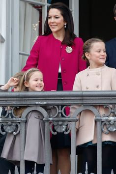 Princess Mary Shows Us the 1 Accessory to Add to All Our Spring Coats