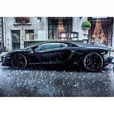 Lamborghini Aventador looking magnificent in the rain