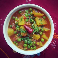 Aloo Matar szabdzsi - azaz az indiai zöldborsós krumplifőzelék - Helló Curry! Chapati, Going Vegan, Chana Masala, Food And Drink, Veggies, Tasty, Cooking, Ethnic Recipes, Curry