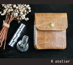 $35 | Minimalist Leather Bifold Wallet #minimalistwallet #bifoldwallet #leatherwallet #gifts #leathergift