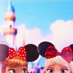 Marlee and Halle made it to Disney land