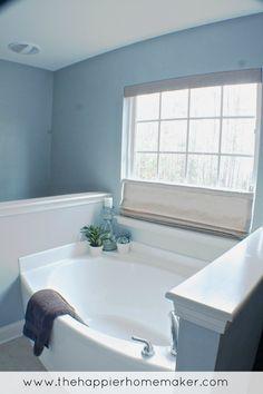 Blue gray bathroom with beach look