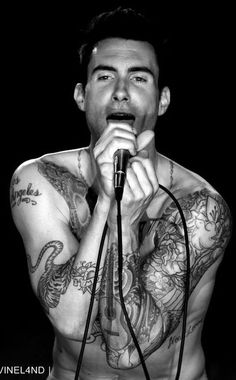 From Ilavani, I chose Adam Levine - Maroon 5 - because Mael has his attitude. Maroon 5, Most Beautiful Man, Beautiful People, Pretty People, Sexy Tattoos, Man Crush, So Little Time, Celebrity Crush, Sexy Men