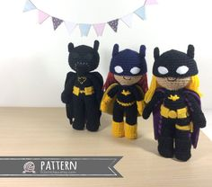 With this pattern by 53 Stitches you will lear how to knit a Amigurumi Batgirl step by step. It is an easy tutorial about batgirl to knit with crochet or tricot. Crochet Doll Pattern, Crochet Patterns Amigurumi, Amigurumi Doll, Crochet Toys, Cute Diy Projects, Crochet Projects, Crochet Ideas, Fabric Glue, Felt Fabric